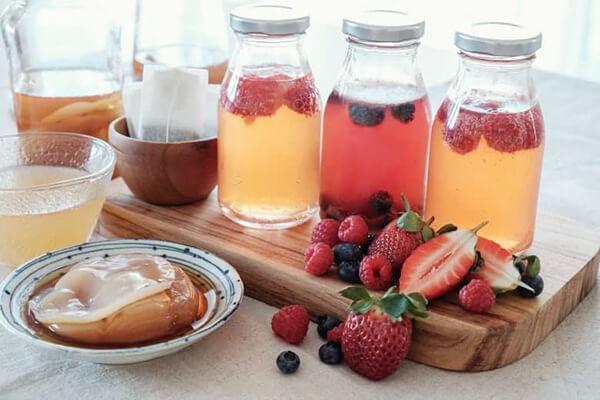 Flavored Kombucha with fruit