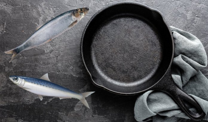 How Do I Get Fish Smell Out Of Cast Iron Pan?