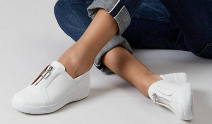 Best Walking Shoes for Metatarsalgia in 2021
