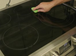 How to Easy Clean a Glass Stove Cooktop